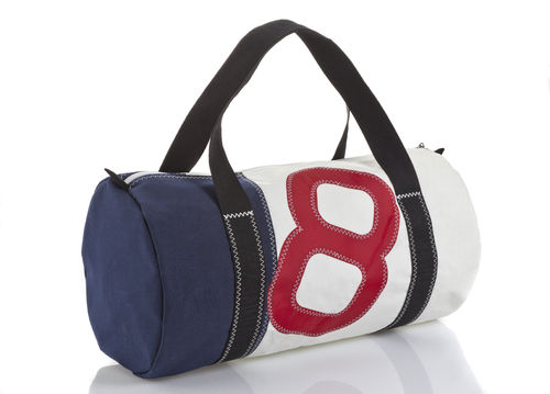 Big size travel bag made of recycled sailcloth.