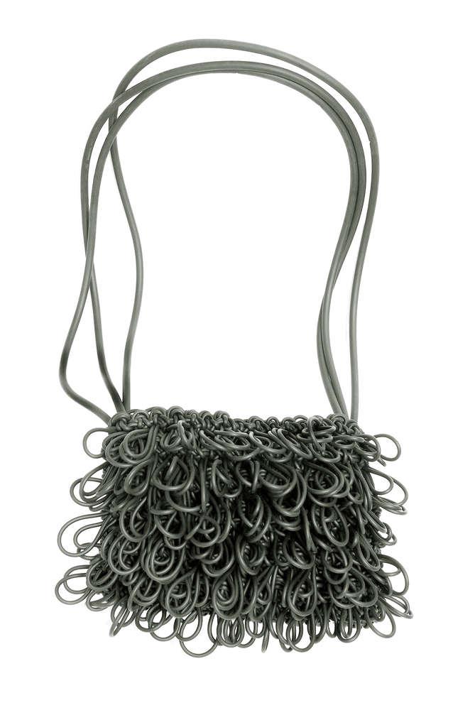 9917046d25 FIZZY - Shoulder bag in Neoprene yarn. Hand knitted.