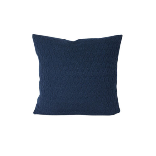 Cushion 50X50 in 100% Baby Llama wool, hexagonal structure. DENIM colour.