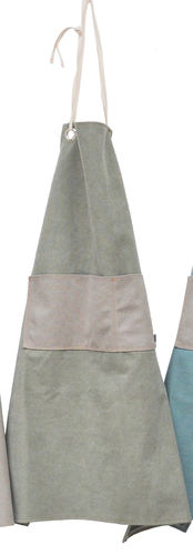 Apron in canvass stone fabric w/pocket. Colore - Sage/Grey -