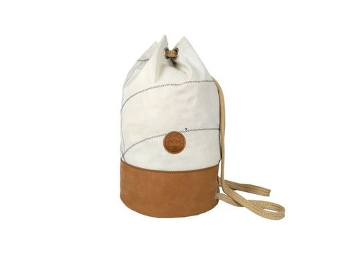 Sailor bag made of recycled sailcloth and LEATHER BASE.