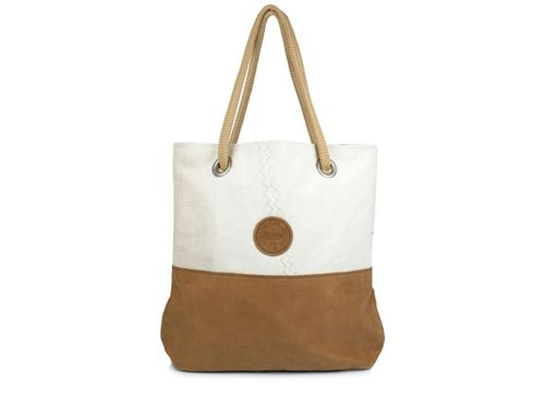 Shopping bag made of recycled sailcloth. LEATHER BASE.