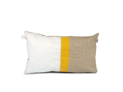 Cushion 30X50 made of recycled sailcloth and linen.
