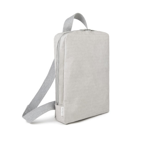 Backpack in thick cellulose fiber.