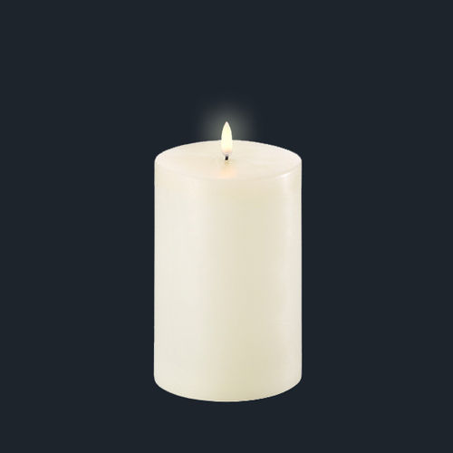 LED light wax CANDLE - size 10,1 X 18 cms -