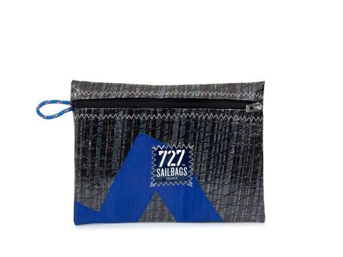 Clutch bag made of recycled sailcloth.