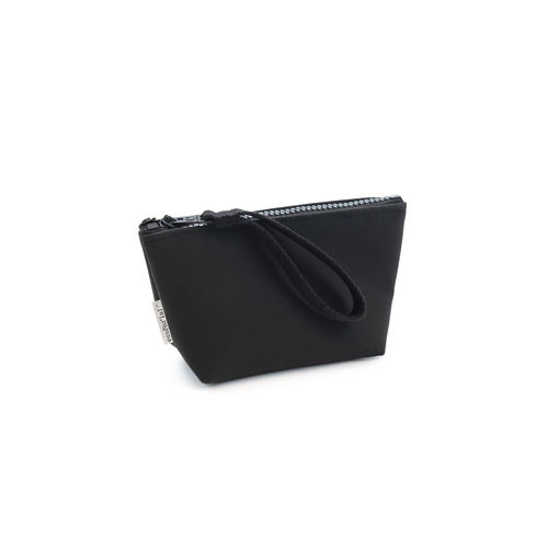 M size pochette made of RESIDUAL FIBERS from the industrial processing of APPLES.